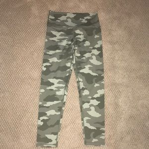 Never Worn Aerie Camo leggings